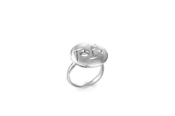 Grunge-ToBe-scritta-anello