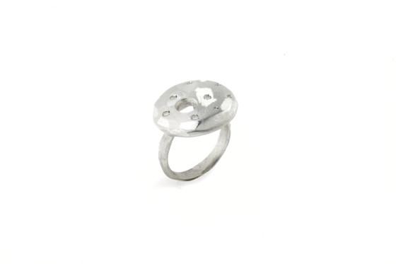 Grunge-stone-anello-white